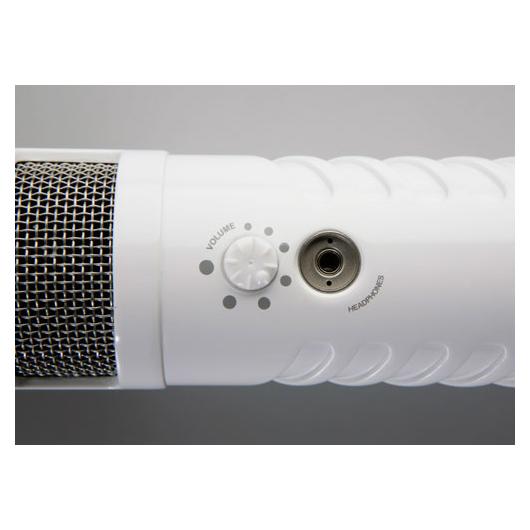 464ADI013-podcaster_007.jpg