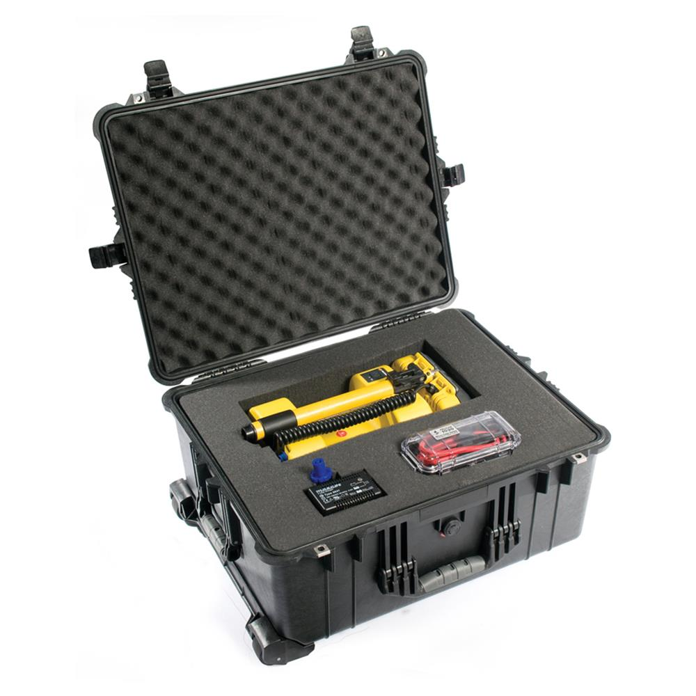 PELICAN 1610 CASE, BLACK W/FOAM